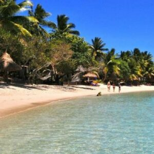 11-Day Fiji Adventure Tour: Viti Levu Island, Beachcomber Island, Mantaray Island & Blue Lagoon Resort